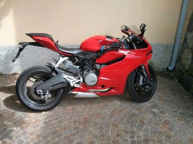 Ducati Panigale 899 Spy shot