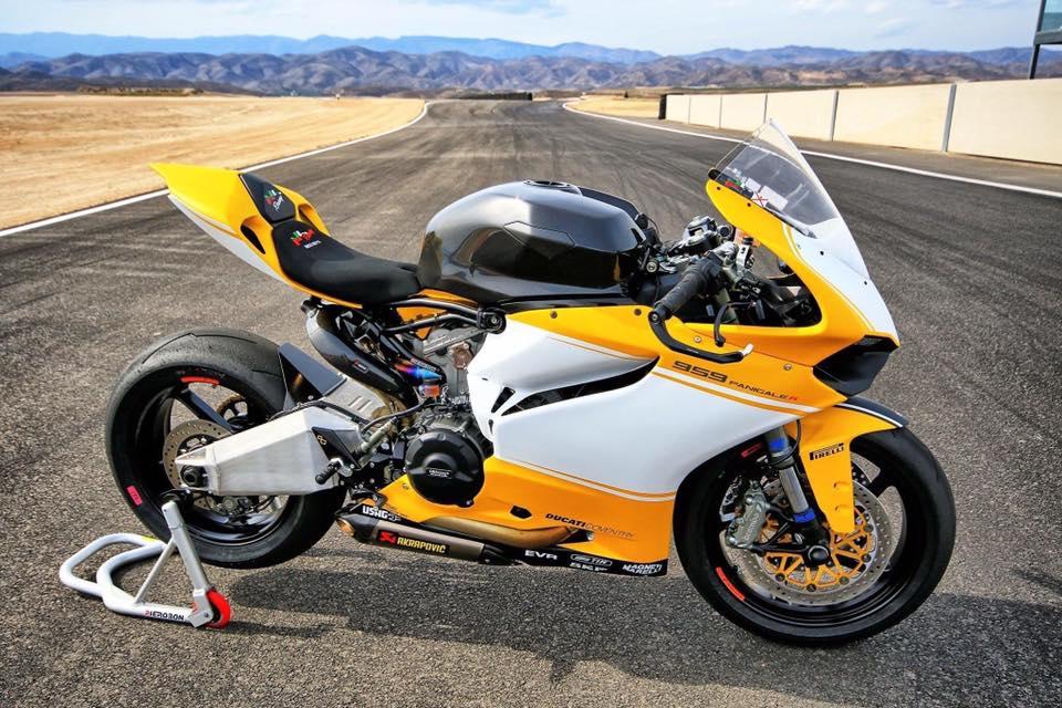 Fullsix Ducati Panigale Carbon Fibre Fuel Tank Over Sized