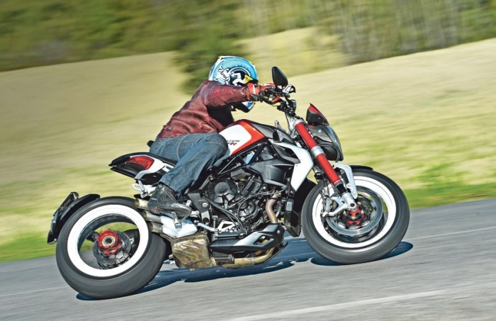 MV Agusta 800 Dragster RR Review