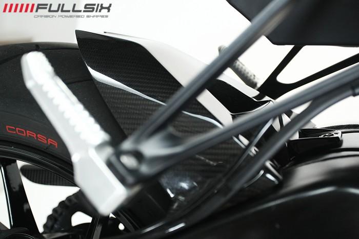 BMW S1000R Naked Carbon Fibre hugger
