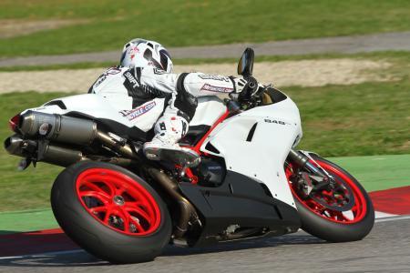Ducati 848 EVO 2011 Review