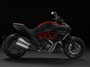 Ducati_Diavel_Carbon-640x479