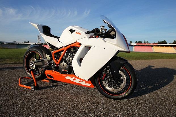 KTM-1190-RC8-R-Track-2013-2